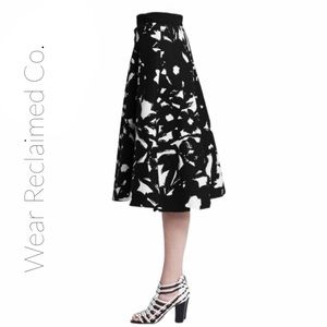 BANANA REPUBLIC B&W Cotton Midi Skirt w/ Pockets